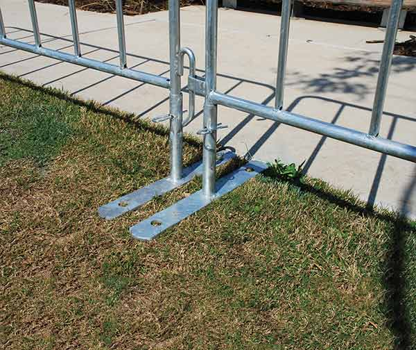 thumb_barriers-crowd-control-feet